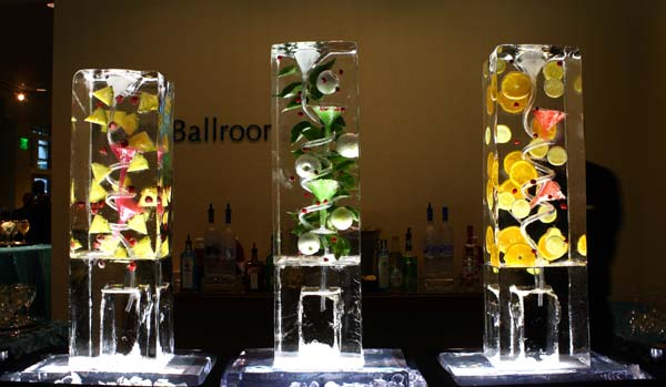 Brilliant Ice - Ice Luge Trio